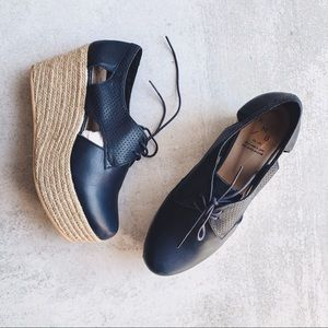 ANTHROPOLOGIE • KMB • cut out oxford platforms
